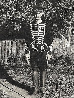 Den stilige husaren Einar Karlsson.